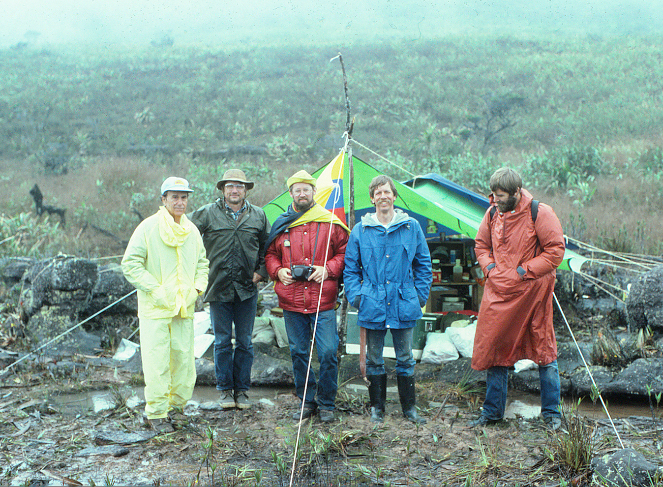Expedition to Cerro Marahuaca in 1982. Photographer unknown.